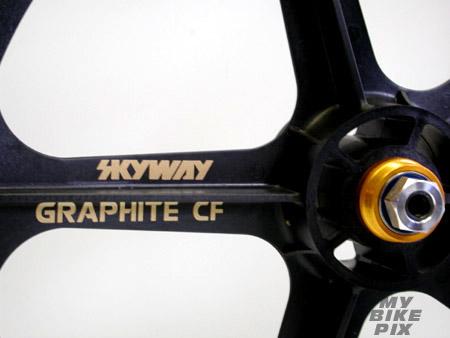 wheels_skyway_graphite2